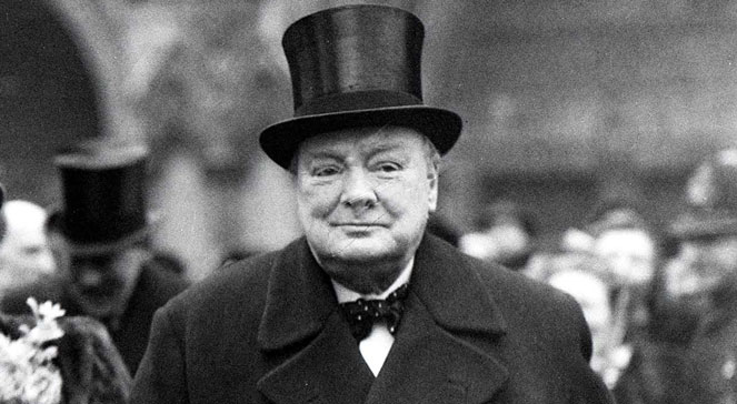 """""""Churchill constantly gave confidence-building speeches"""" (interview, part 1/3)"""